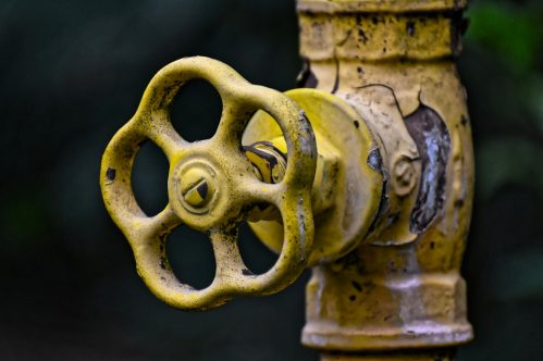 avoid freezing pipes